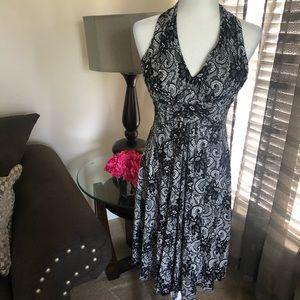 Jessica Howard Black & white print halter dress